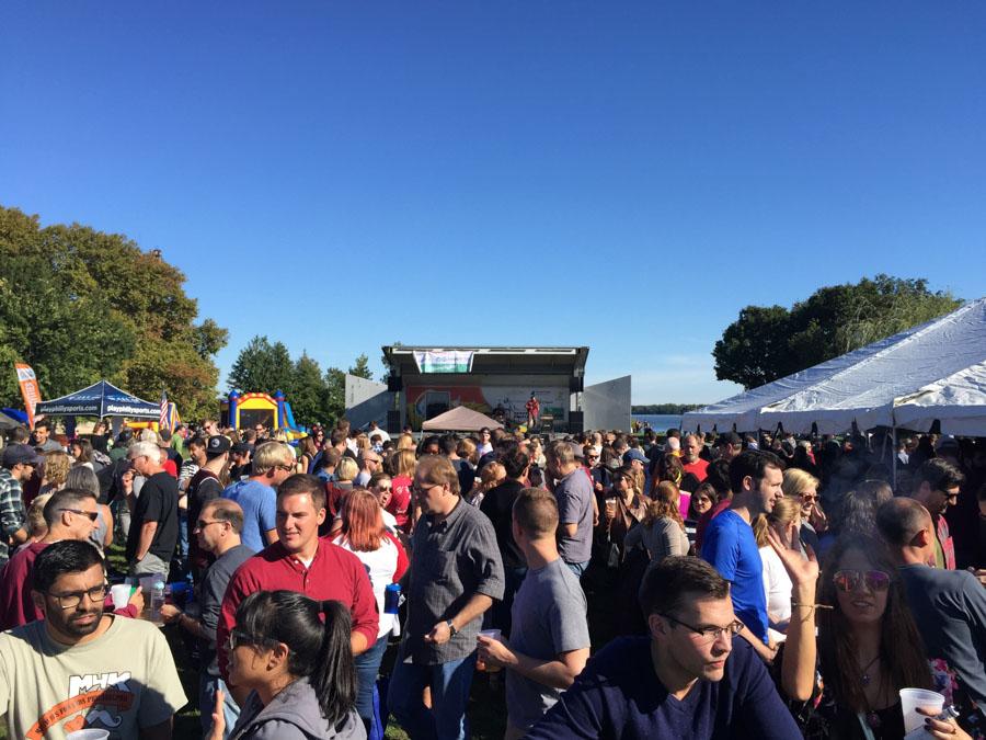rivercity festival crowd