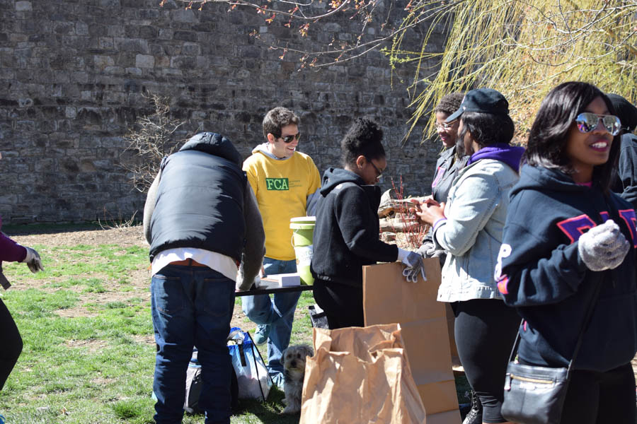 Fairmount residents participated in the 5th annual Fairmount Spring cleanup, organized by Sam Holloschutz and the Fairmount Civic Association's Neighborhood Improvement Committee. /All photos by Grace Shallow