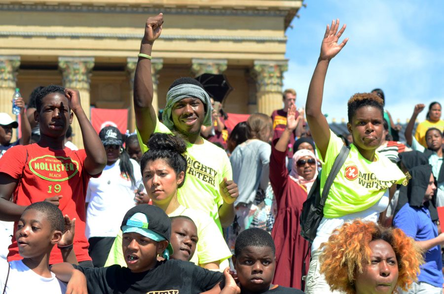 voluneers waving